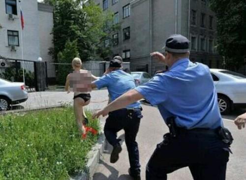 警察から逃げる夢