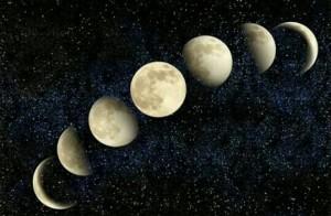 [夢占い]月の夢の夢でわかる深層心理!