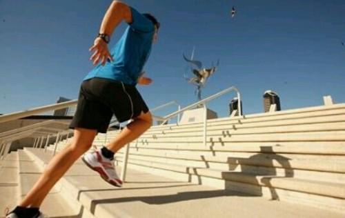階段を駆け上がる夢