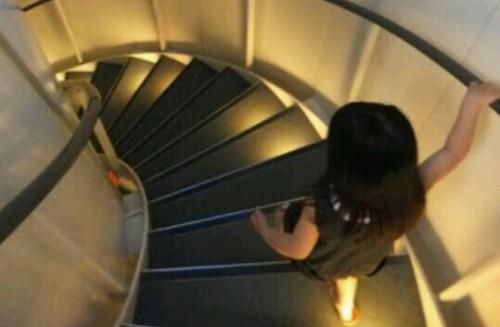 階段を降りる夢