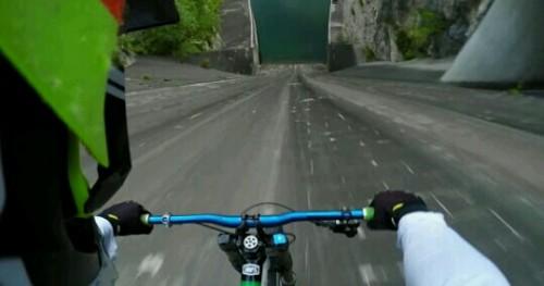 自転車が猛スピードの夢
