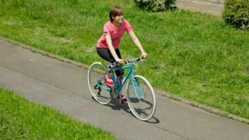 自転車で軽快に走る夢