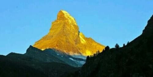 金色の山の夢