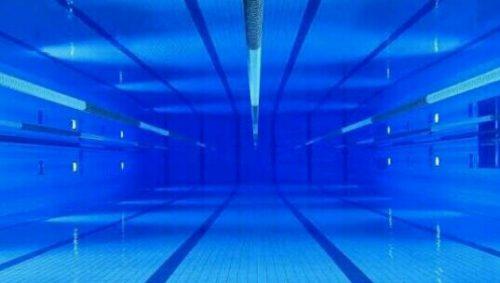 プールの夢占い
