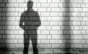 [夢占い]影の夢が暗示するアナタのマイナス面とは?