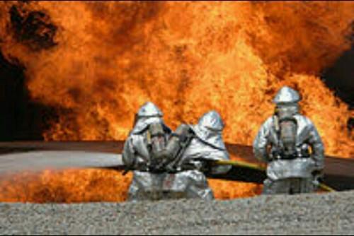 火事の夢占い消防士