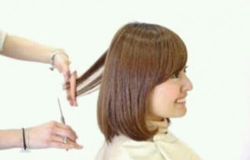 髪を切る夢
