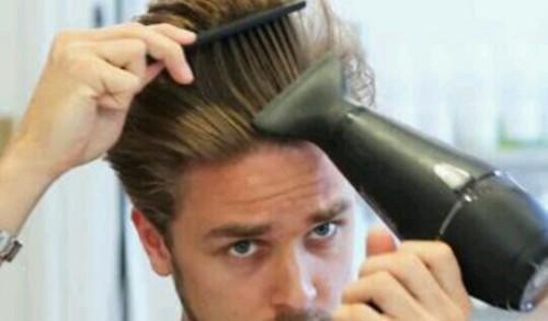 髪をセットする夢