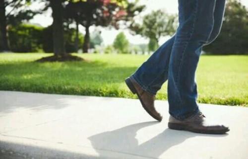 [夢占い]足(脚)の夢はアナタの未来に重要な暗示?