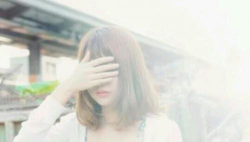 顔を隠す夢