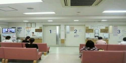 病院で待たされている夢