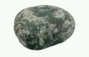 [夢占い]石・岩・隕石の夢が伝えるアナタの内面!
