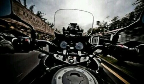 バイクに乗っている夢占い