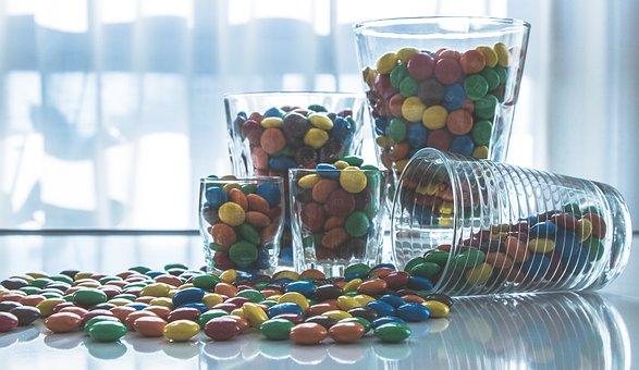 [夢占い]お菓子の夢が告げるアナタの心理とは?