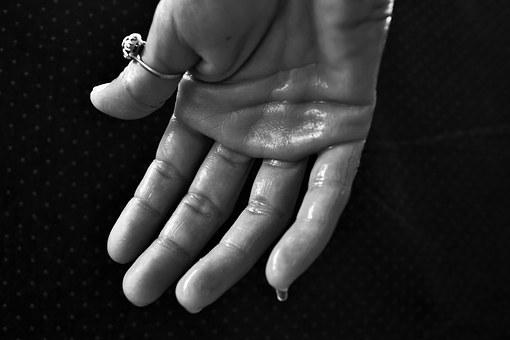 hand-1502242__340